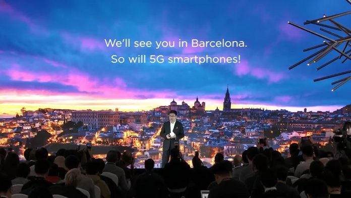 wordls-first-5g-smartphone-foldable-display-huawei-mwc-2019